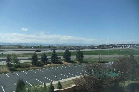 Courtyard Marriott Denver South/Park Meadows: View from room across the I-25
