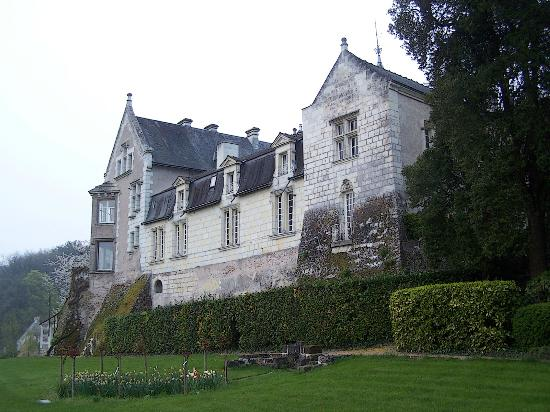 Beauregard : The front of the chateaux that faces the Loire