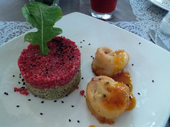 Playa Koralia: comedor