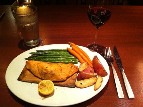 Seasons 52 - Perimeter: cedar plank salmon