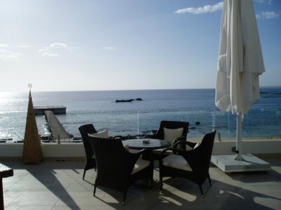 Arkin Palm Beach Hotel : hotel lobby balcony view