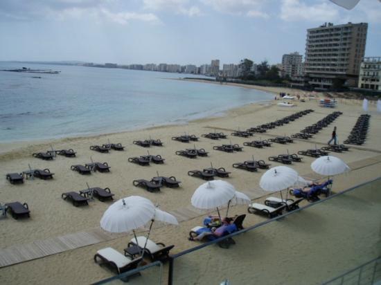 Arkin Palm Beach Hotel : hotel private beach