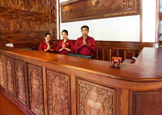 Angkor Sayana Hotel & Spa : Front desk