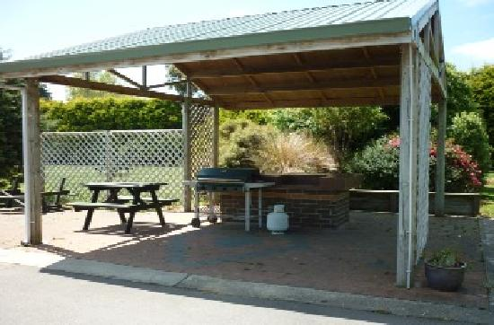 Invercargill TOP 10 Holiday Park: BBQ