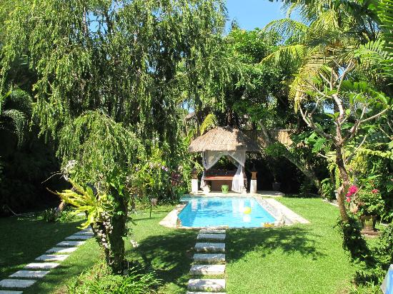 Villa Poppy: perfect sized pool
