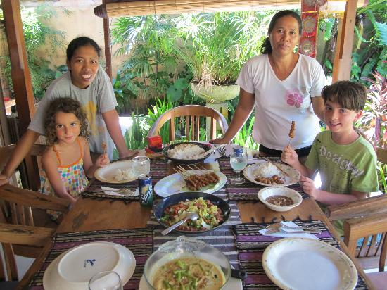 Villa Poppy: We felt like royalty having Ayu and Ilu cook for us and look after our needs