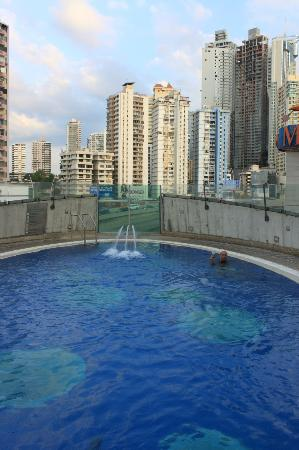 Radisson Decapolis Hotel Panama City: Roof top pool