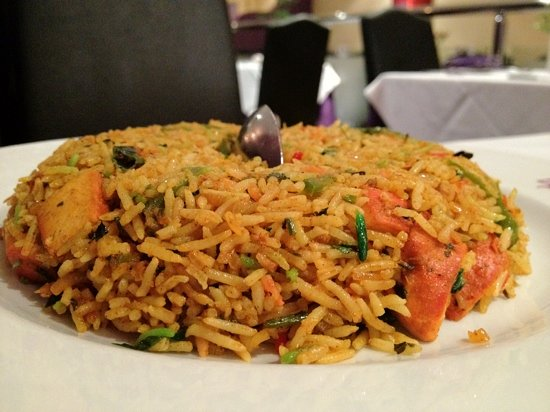 Chicken Tikka Biryani (stir fried chicken and rice dish ...