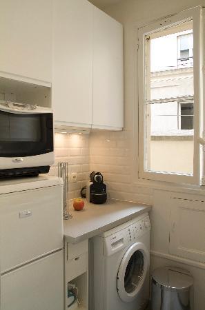 Paris8 Apartments - by 8Hotels: Marias / Montoguel