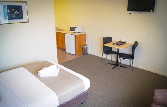 Monte Villa Motor Inn: Deluxe Standard Room