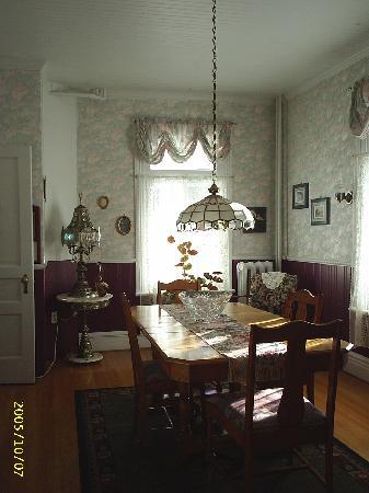 L'auberge des Marronniers: La salle à manger