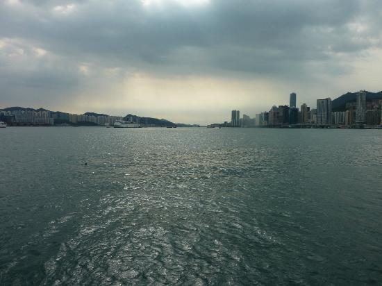 Harbour Grand Kowloon: The view!!