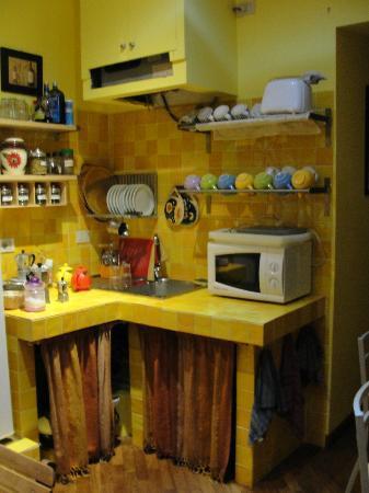 B&B Bibi e Romeo's Home: Cocina...