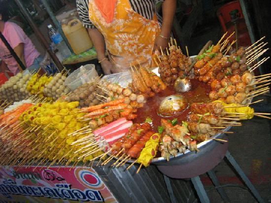 Naka Market: Street food