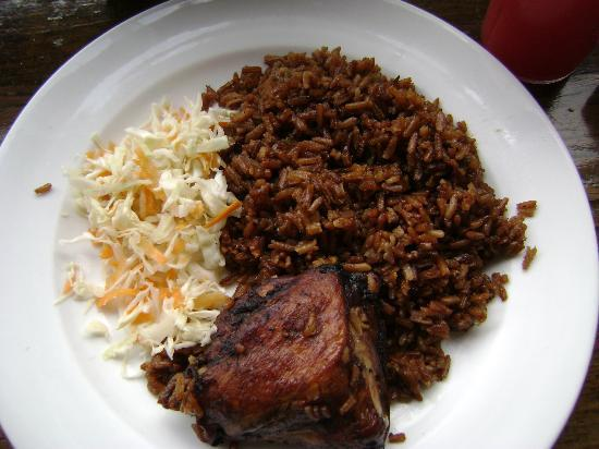 Blue Mountain Bicycle Tour : Yummy jerk chicken and rice!