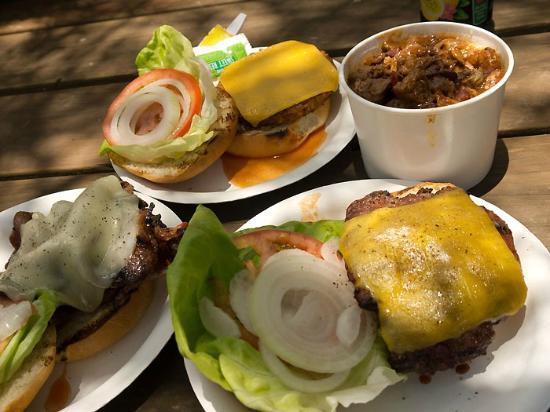 Ulupalakua Ranch Store & Grill: наши бургеры