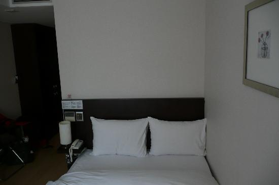 Doulos Hotel: Bedroom
