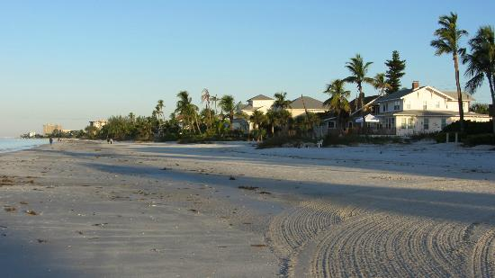 Mango Street Inn: Morgenstimmung am Strand