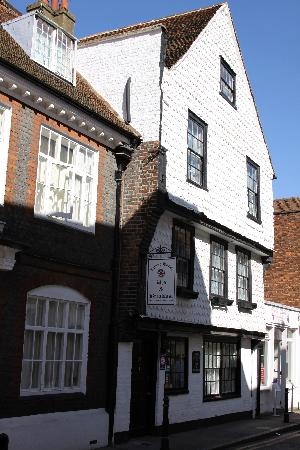 The Tudor House from the outside.