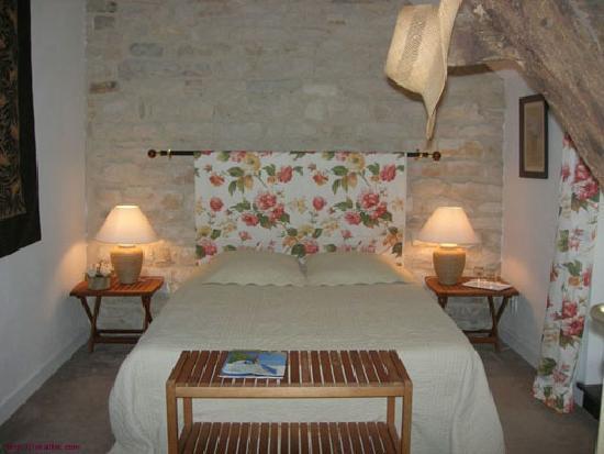 Le Taillet Chambres d'hotes en Bourgogne : chambre Fleurs
