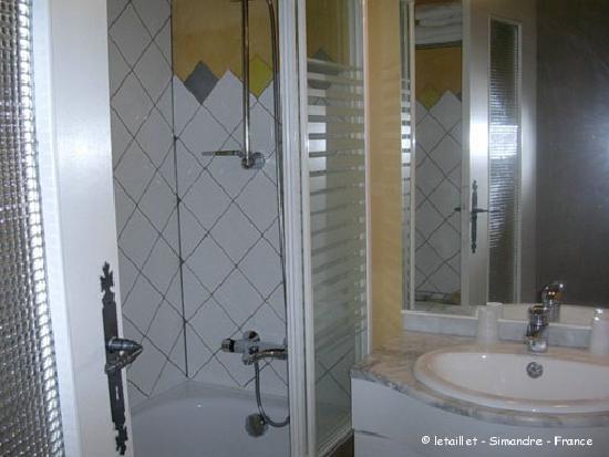 Le Taillet Chambres d'hotes en Bourgogne : chambre Ivoire sdb