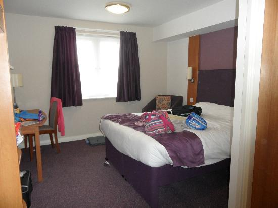 Premier Inn Christchurch / Highcliffe Hotel: The room