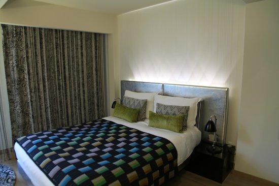 G&V Royal Mile Hotel Edinburgh: Bed