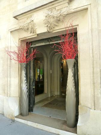 Hotel Sezz Paris: Doorway...