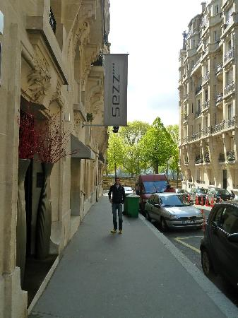 Hotel Sezz Paris: Out the door and at the sights in 5 minutes...