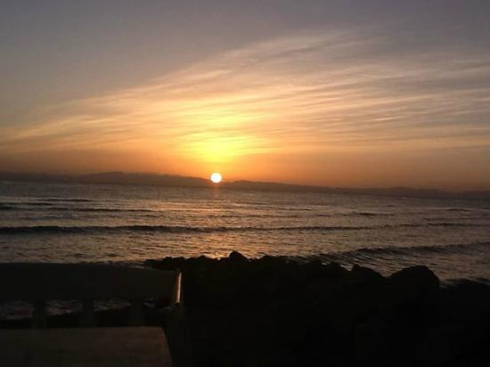 Ghazala Hotel: Another sunrise over the calm Red Sea