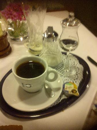 Hotel Restaurant Linde: Coffee and Schnapps