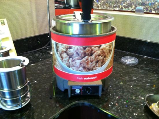Hampton Inn Somerset: fresh hot oatmeal