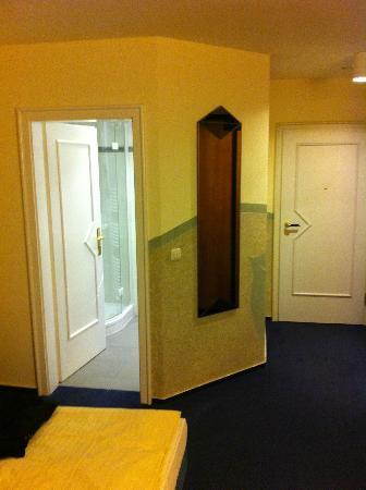 Hotel Linderhof: Room