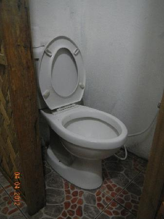 Coron Backpacker Guesthouse: One of the toilet's