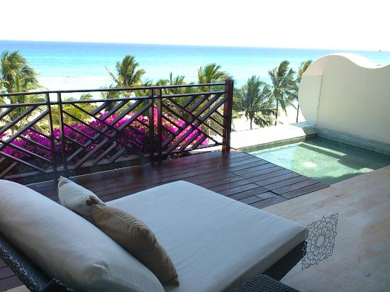 Grand Velas Riviera Maya: Grand Class Room Balcony (also has table and chairs)