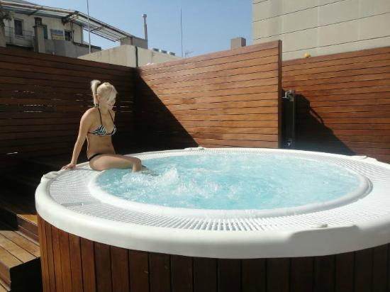 terrasse jacuzzi picture of eurostars bcn design barcelona tripadvisor. Black Bedroom Furniture Sets. Home Design Ideas