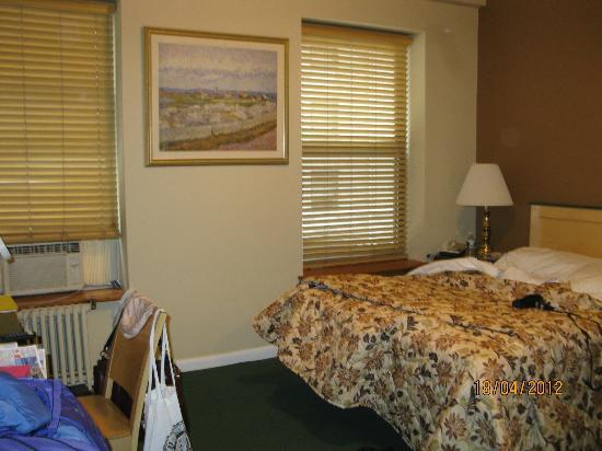 Park Savoy: Room 405