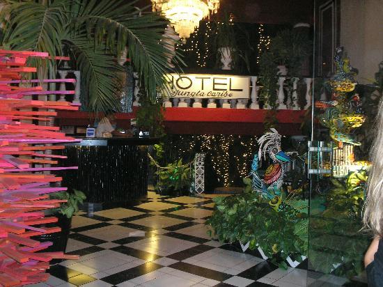 Maya del Mar: vista de la entrada del hotel