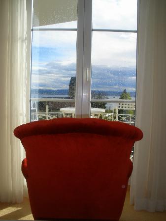 Hotel Villa Seeschau am Bodensee: My chair where I read while watching the lake.