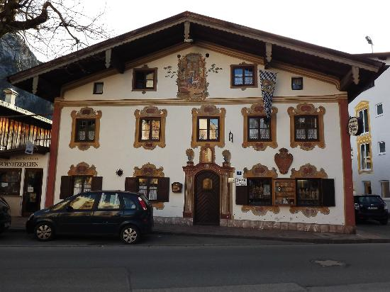 Front of Pension Dedlerhaus