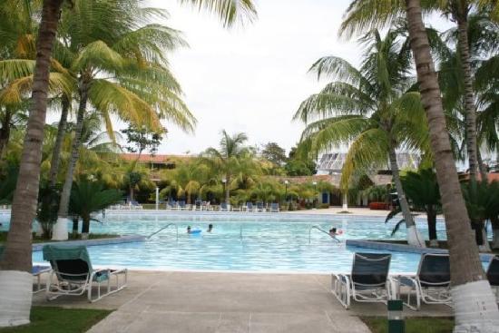 Tucacas, Venezuela : piscina del hotel