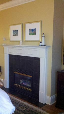 Harbour House Hotel: gas fireplace