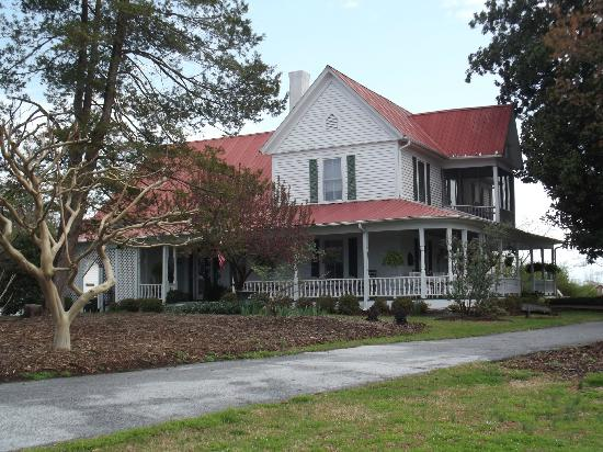 Sunrise Farm Bed and Breakfast: The Bed and Breakfast