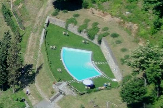 agriturismo la torre swimmig pool