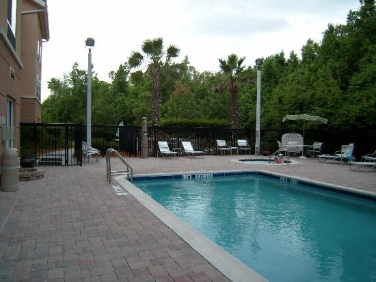 Fairfield Inn & Suites by Marriott St. Augustine I-95: la piscine
