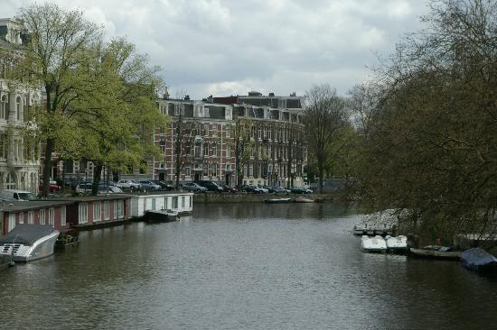 King Hotel: The hotel at the end of the canal