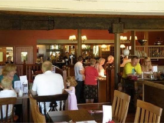The Olde Oak Inn: the restaurant again