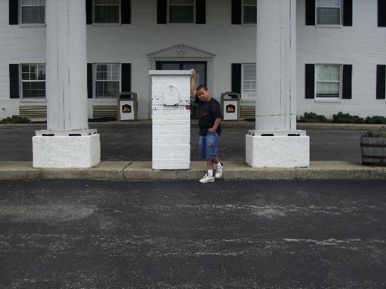 Best Western Parkside Inn: outside of hotel