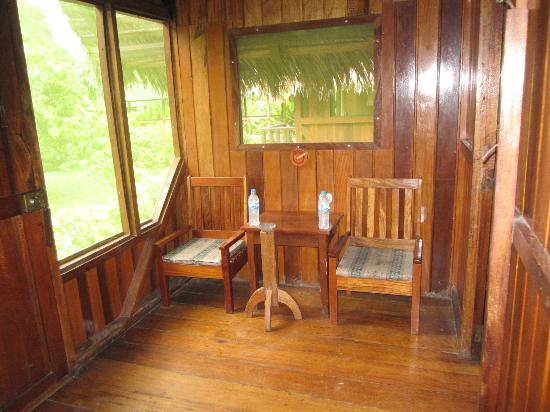 Ecoamazonia Lodge: The sun room before our bedroom area.