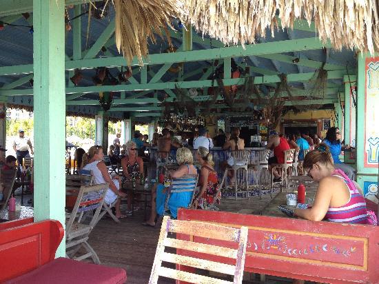 Bugaloe Beach Bar & Grill: Bugaloe
